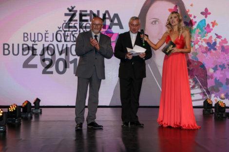 zena-cb_vyhlaseni